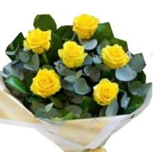 Stollen Kisses - 6 Stems Bouquet